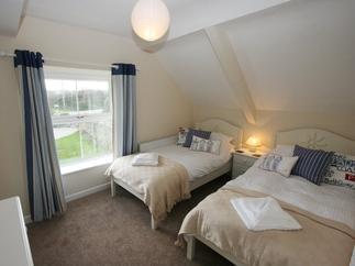 Curlew Cottage Details