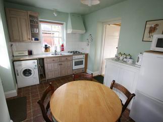 Cotna Cottage price range is 336 - £695