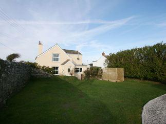 Curlew Cottage is located in Newquay