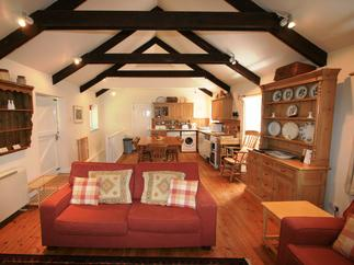 Croft Prince Barn is located in St Agnes