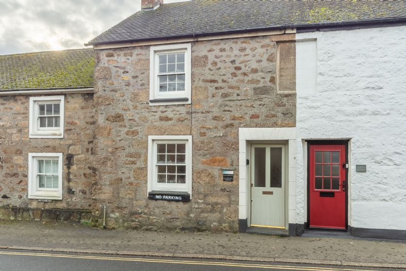 Click here for more about Porthgwidden Cottage