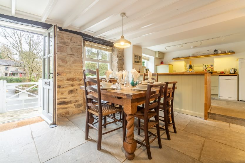 Rose in Vale Cottage is located in Mithian