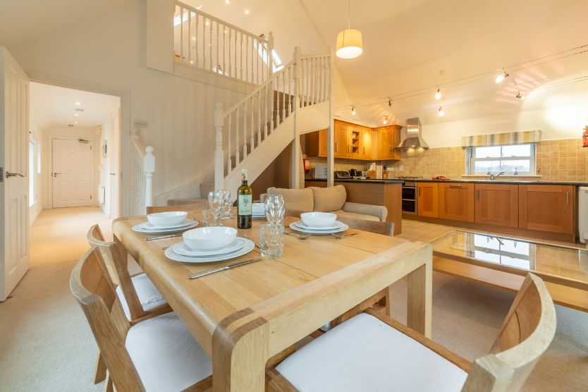 Click here for more about Saltings Loft Apartment 2