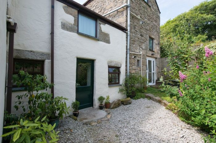 Click here for more about Dingley Cottage