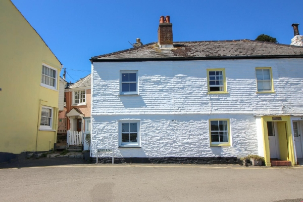 Brackley Cottage is located in St Mawes