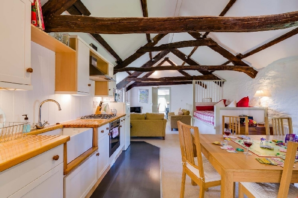 Trevadlock Manor Barns sleeps 10