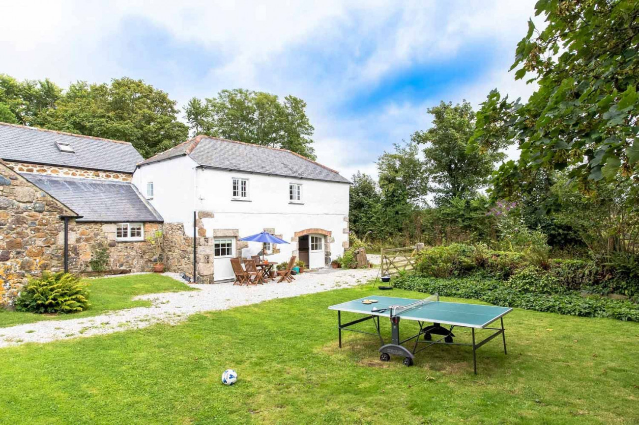 Click here for more about Cob Cottage at Higher Tregidden
