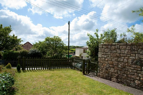 Gribbas Cottage is in Mid Cornwall, Cornwall