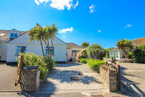Palm Villa is located in Widemouth Bay