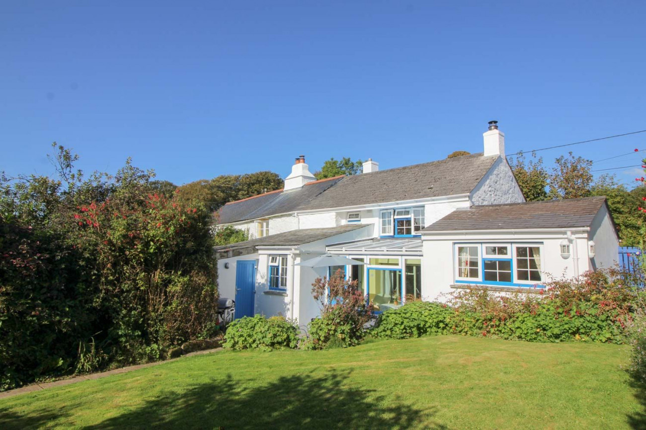 Click here for more about Badgers Cottage at Warleggan