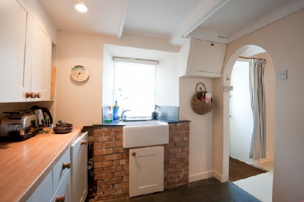 Beach Hill Cottage Images