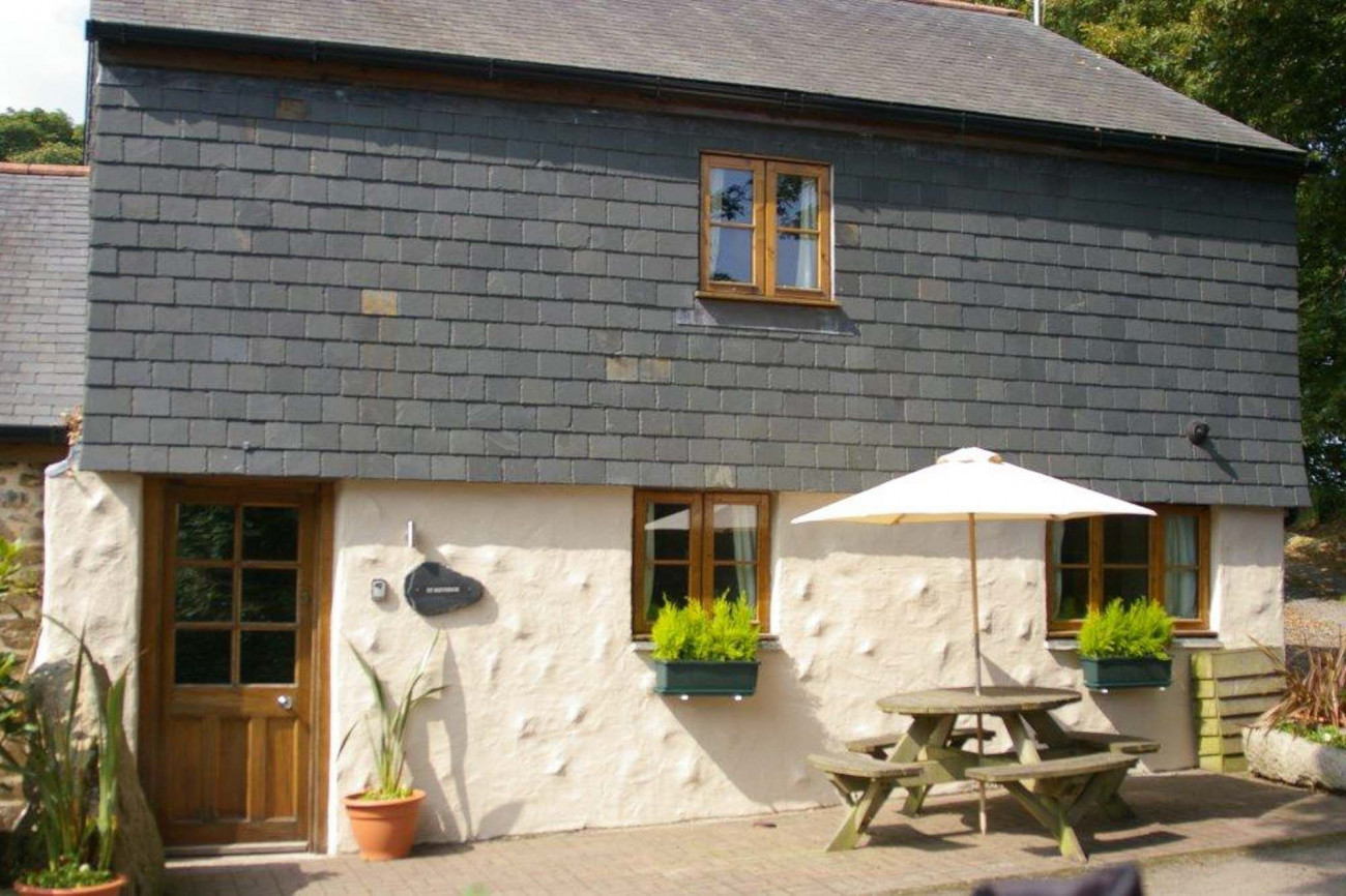 Click here for more about St Keverne Cottage