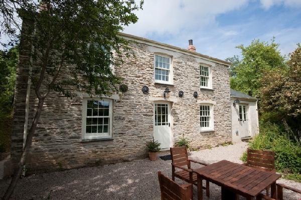 Pencreek Cottage price range is from just £604