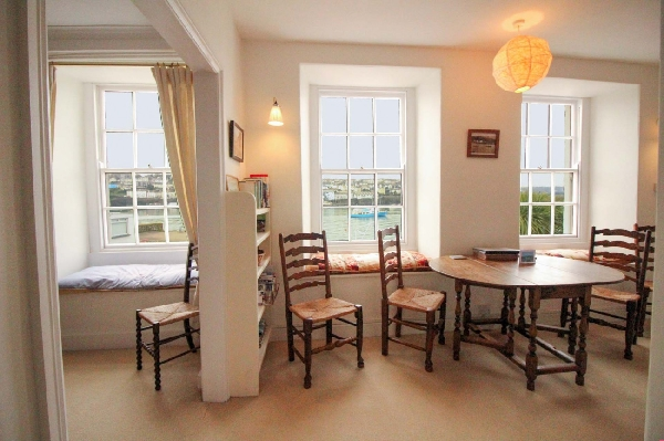 New Quay Lodge price range is from just £509