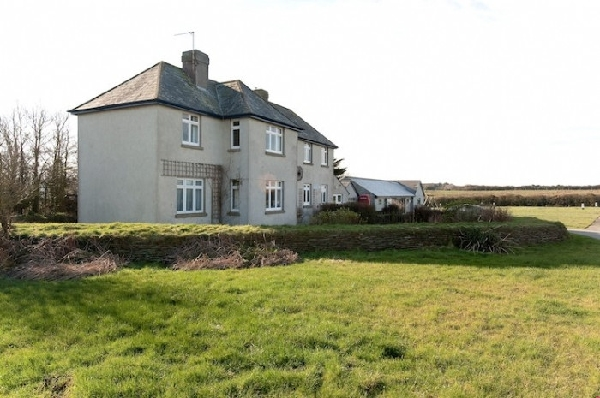 Penhalt Farm Apartment is located in Widemouth Bay