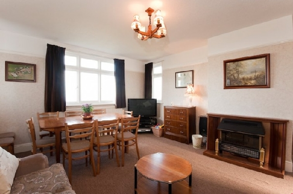 Penhalt Farm Apartment is in Widemouth Bay, Cornwall