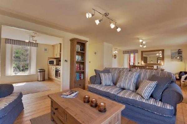 Cottage holidays England - Coombe Villa