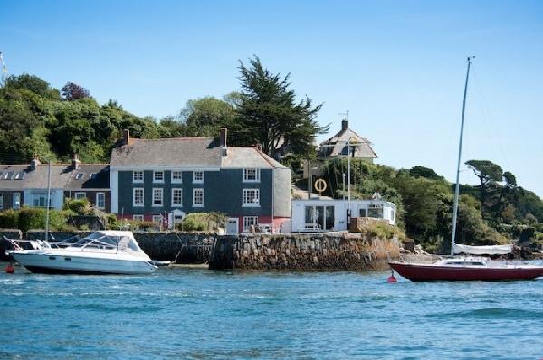 New Quay Lodge Images