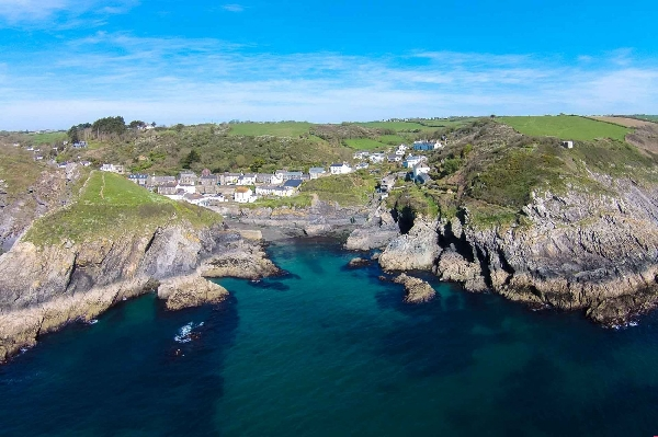 Cove Cottage price range is from just £409