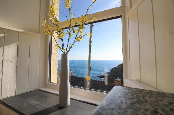 Ocean View, Portloe price range is from just £389