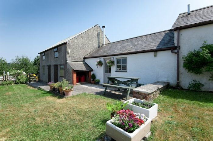 Click here for more about Roseland Cottage