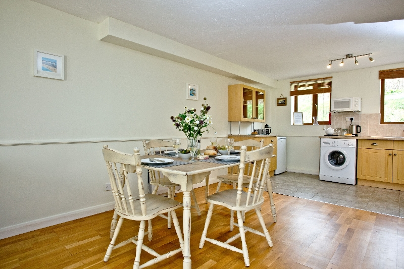 The Cwtch Cottage - East Thorne price range is 194 - £ 929