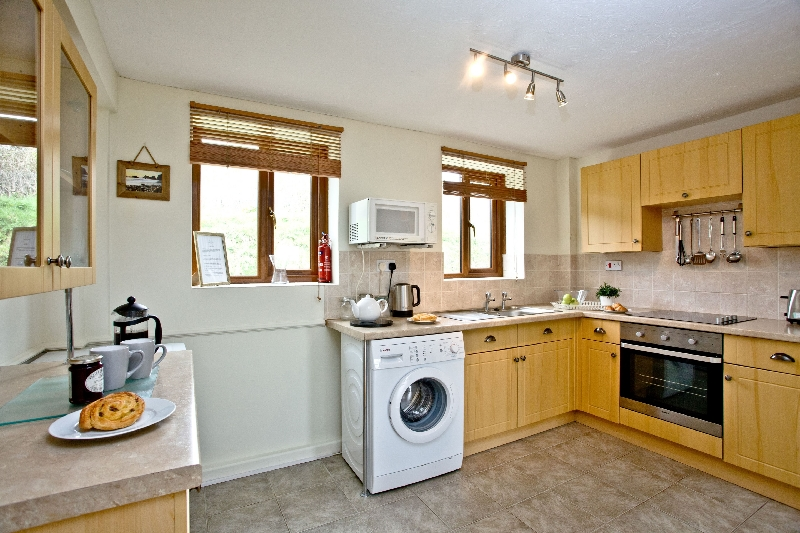 The Cwtch Cottage - East Thorne is in Bude, Cornwall