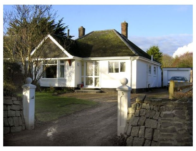Click here for more about No 5 Carlyon Road