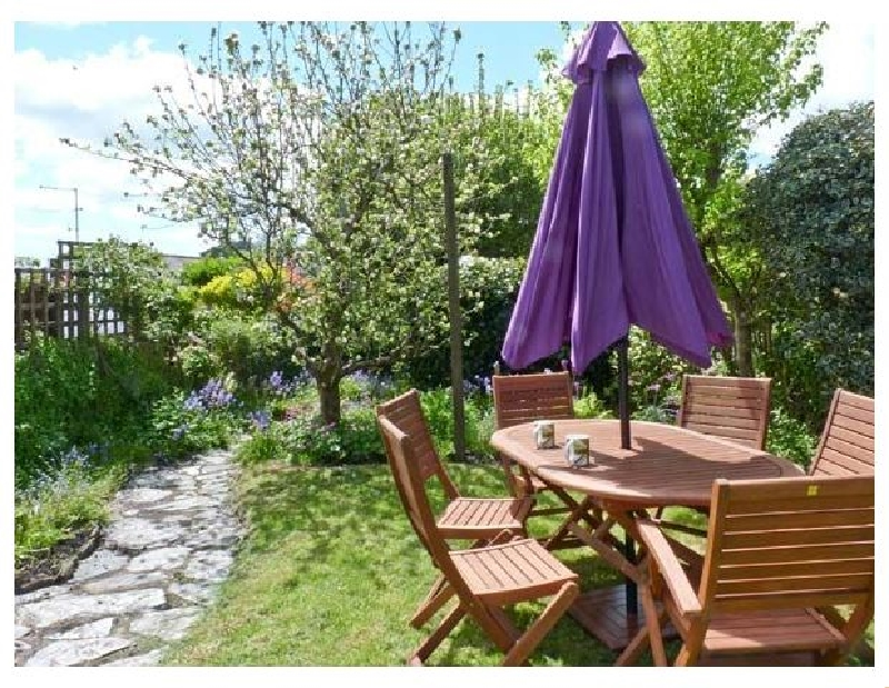 Click here for more about 5 Bodmin Hill