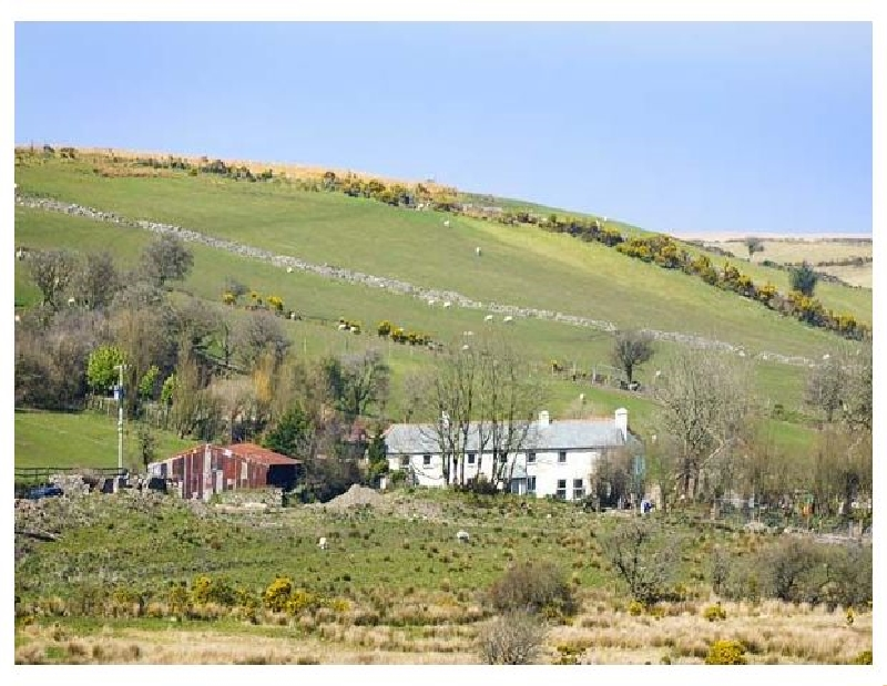 Click here for more about Blackadon Farm Cottage
