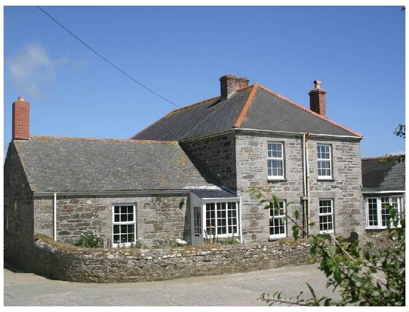 Click here for more about Hingey FarmHouse