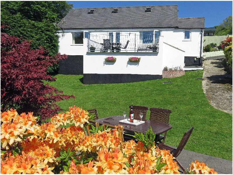 Click here for more about Halfpenny Cottage