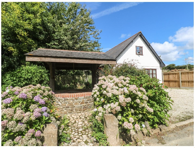 Click here for more about Wishing Well Cottage