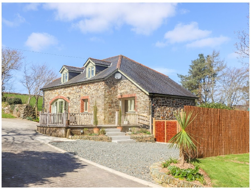Click here for more about Meadow Drift Cottage