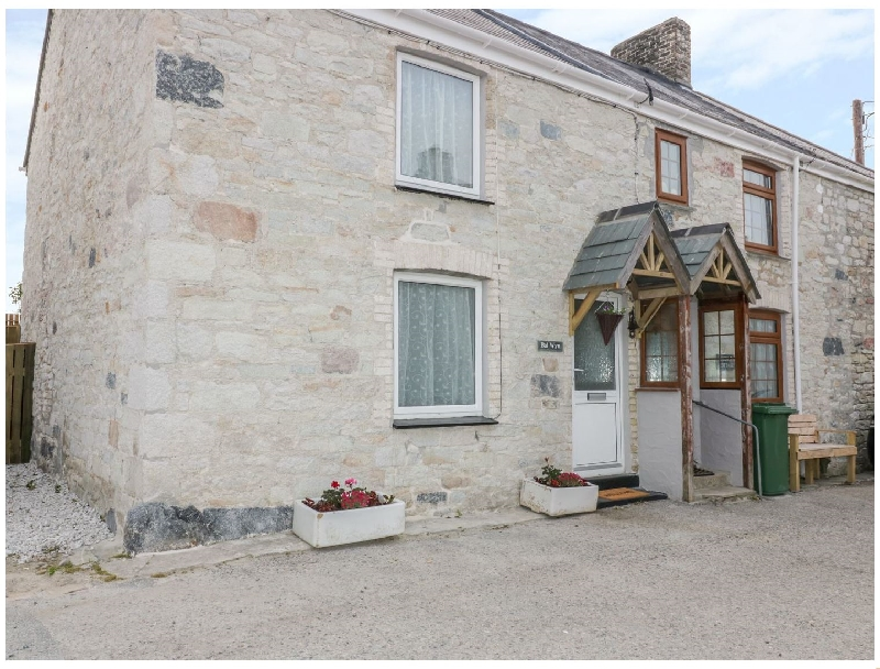 Click here for more about Bal Wyn