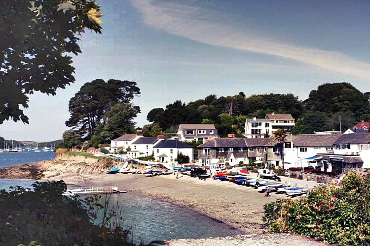 Click here for more about 3 Coastguard Cottage
