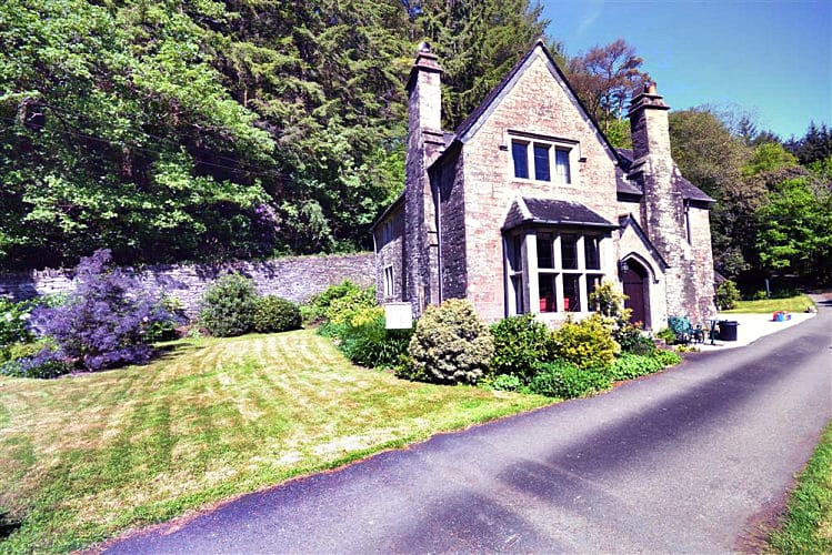Click here for more about Treverbyn Vean Lodge