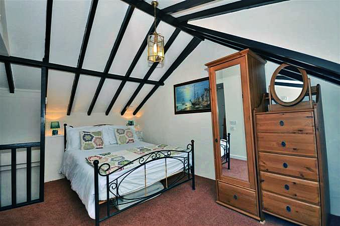Farthing Cottage Images