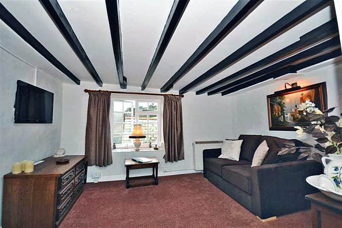 Farthing Cottage is located in Polperro