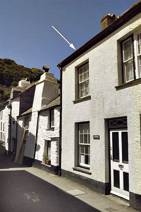 Glencoe Cottage is located in Polperro